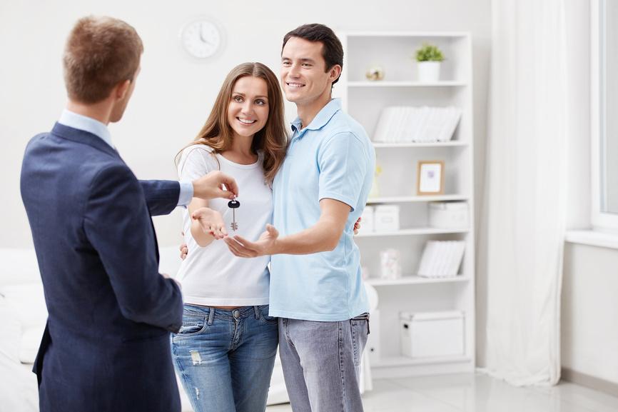Муж покупает квартиру у родственников и оформляет на себя правде сказать